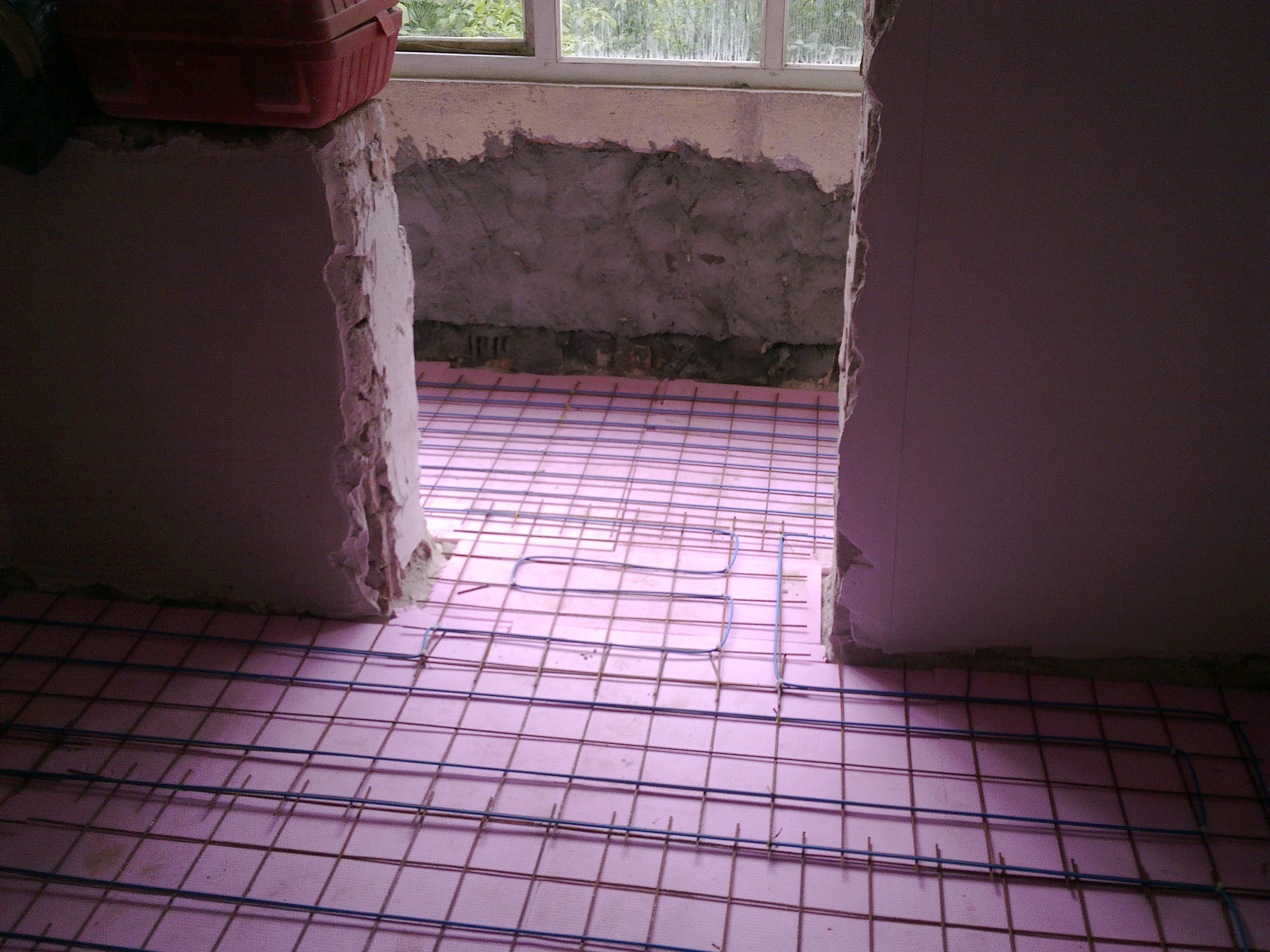 Incalzire in pardoseala - renovare apartament Calimanesti, jud Valcea RAYCHEM - Poza 11