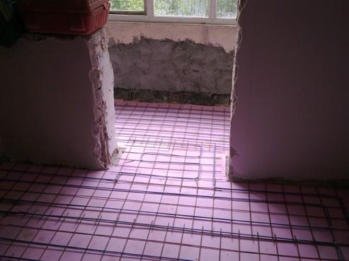 Lucrari, proiecte Incalzire in pardoseala - renovare apartament Calimanesti, jud Valcea RAYCHEM - Poza 11