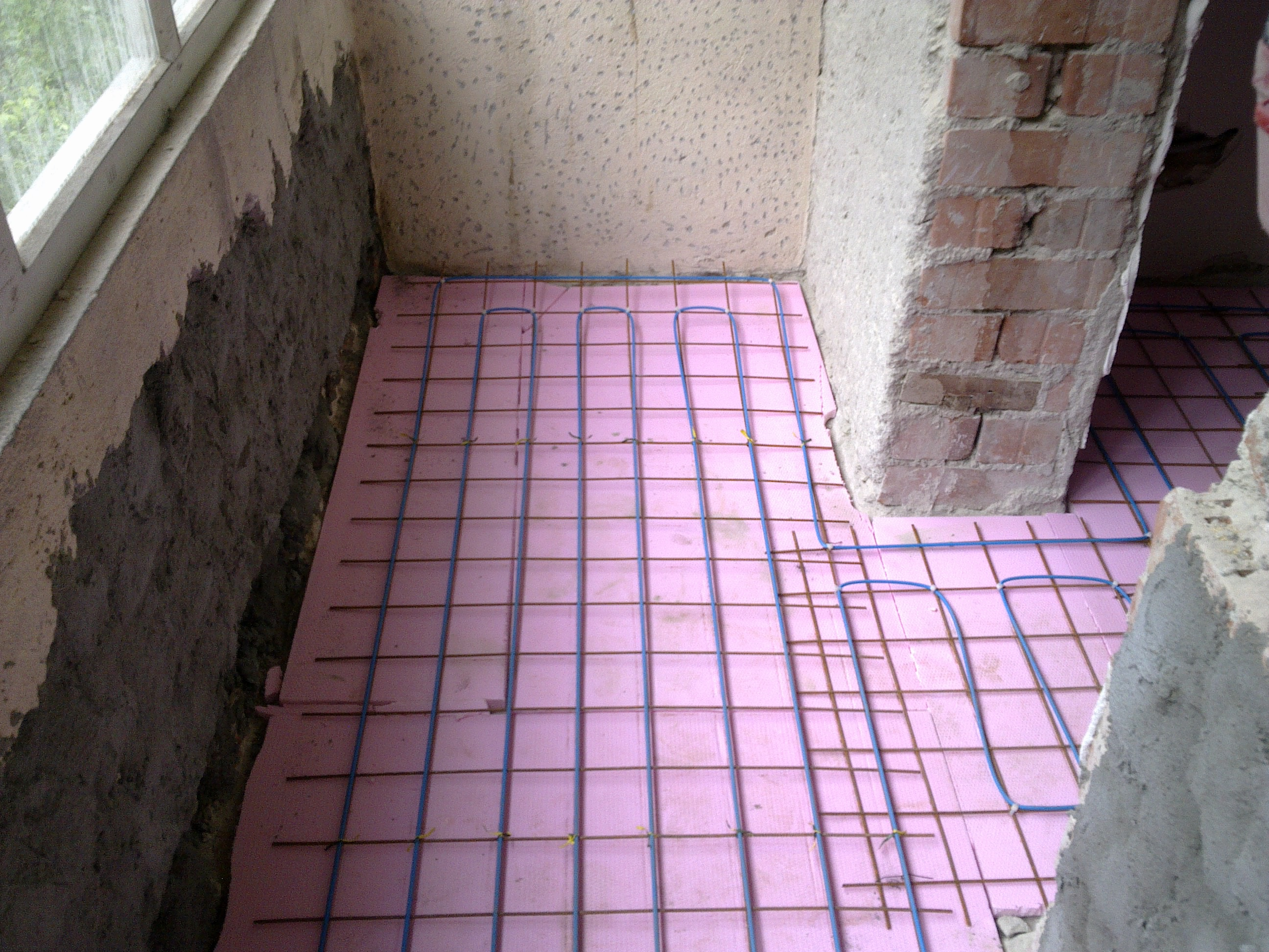 Incalzire in pardoseala - renovare apartament Calimanesti, jud Valcea RAYCHEM - Poza 45