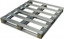 Paleti metalici Paleti din otel oferiti de PROINVEST GROUP - Solutia pentru manipulare repetata. Paletii din otel combina unele dintre cele mai bune caracteristici ale paletilor traditionali din lemn cu rezistenta otelului. Pot prelua incarcari de 1200 kg fara a se deforma, fiind o platforma ideala pentru transport si depozitare.  Paletii MBS sunt realizati din tabla zincata profilata, imbinata cu suruburi zincate, sunt prevazuti cu trei talpi din otel si pot fi standard sau personalizati in functie de nevoile clientului.