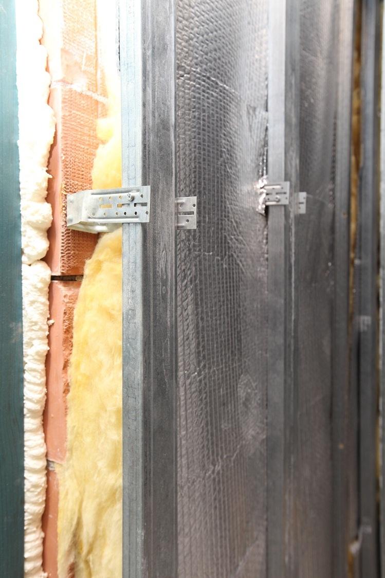 Folie termoizolanta utlilizare - Pereti de interior din zidarie REFLECTIX - Poza 2