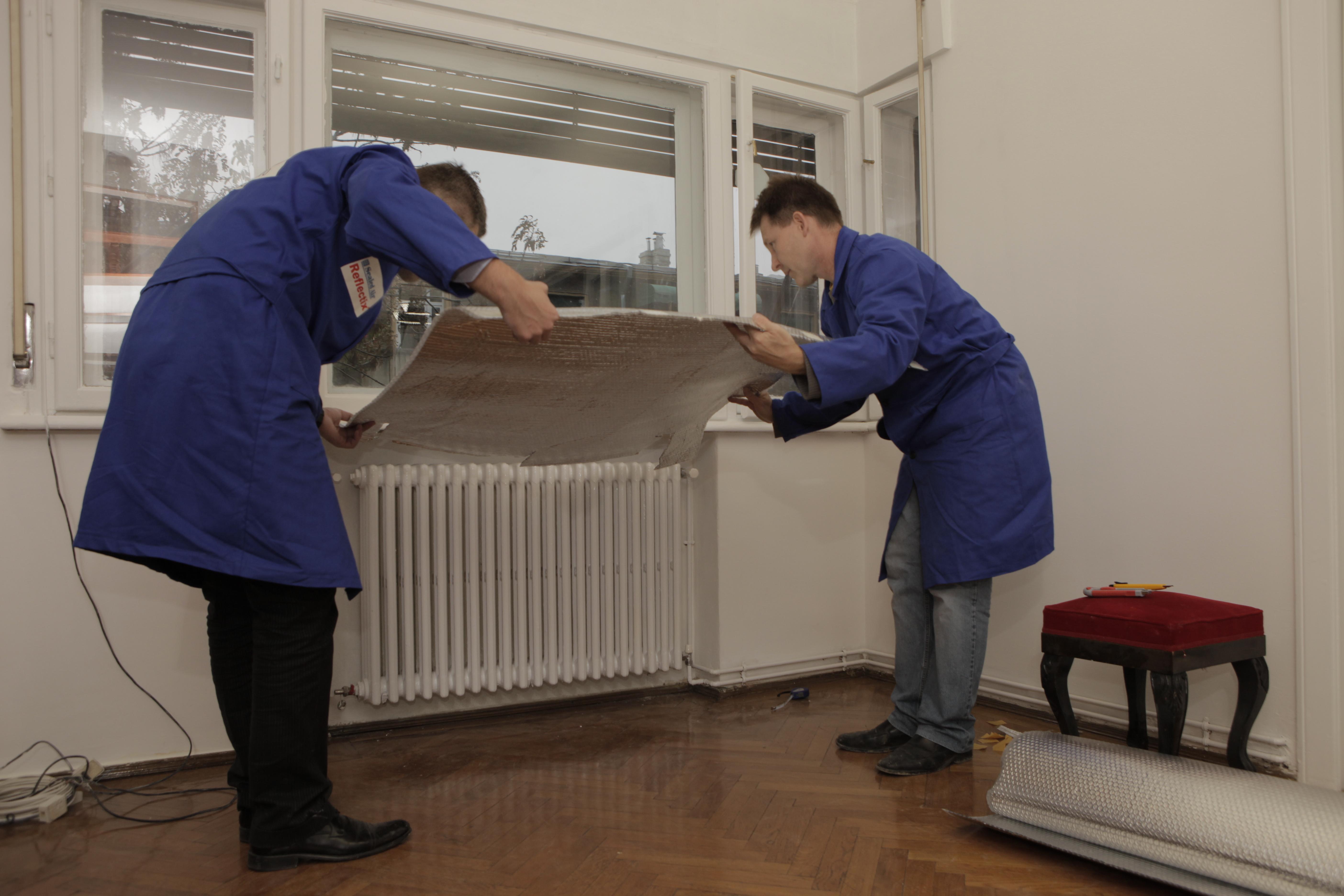 Folie termoizolanta utlilizata ca bariera radianta in spatele radiatoarelor REFLECTIX - Poza 3