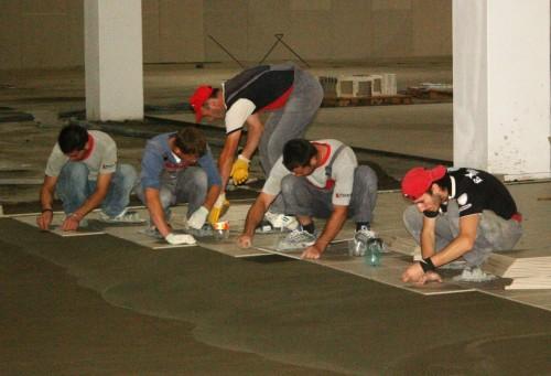 Exemple de utilizare Pardoselala ceramica vibrata - Spatii comerciale PLACARI FAINE - Poza 2