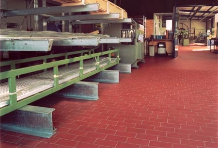 Pardoselala ceramica vibrata - Industria producatoare PLACARI FAINE - Poza 4