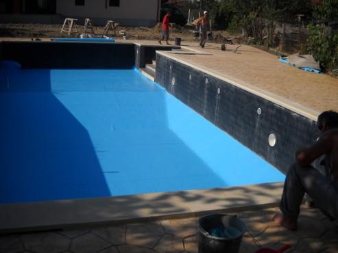 Piscina privata din beton cu cofrag pierdut - Faze montaj 6 MONDIAL PISCINE - Poza 6