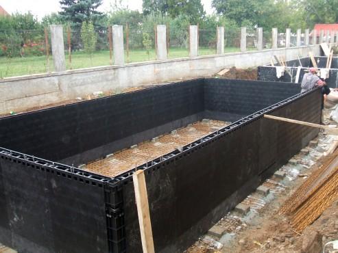 Piscina privata din beton cu cofrag pierdut - Faze montaj 8 MONDIAL PISCINE - Poza 8
