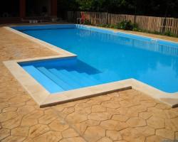 Piscine rezidentiale Hobbit Concept Ro furnizeaza pe piata de profil din Romania piscine turnate in sisteme modulare de cofraje pierdute.Piscina din beton cu cofrag pierdut - MONDIAL PISCINE Piscinele kit cu structura din beton turnat in cofraje de polietilena de inalta densitate (PE HD), reprezinta o tehnologie moderna in domeniul constructiei de piscine, HOBBIT CONCEPT RO oferind pe piata romaneasca, acest tip de piscine.Structura de panouri Pe HD cu beton este rezistenta impotriva degradarii, fiind special destinata montajului ingropat.