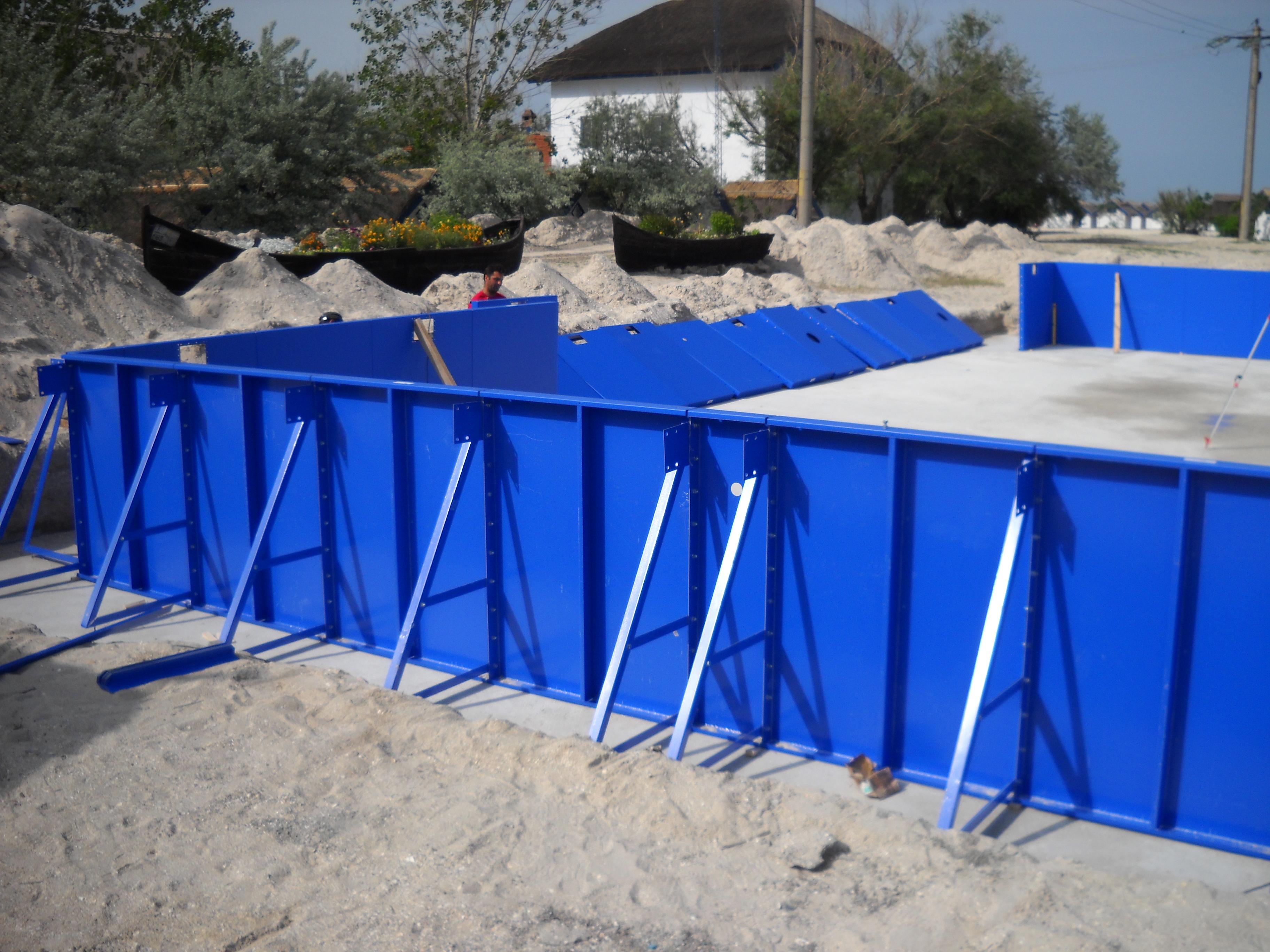 Faze de montaj piscine rezidentiale din panouri modulare de otel galvanizat ASTRAL POOL - Poza 3