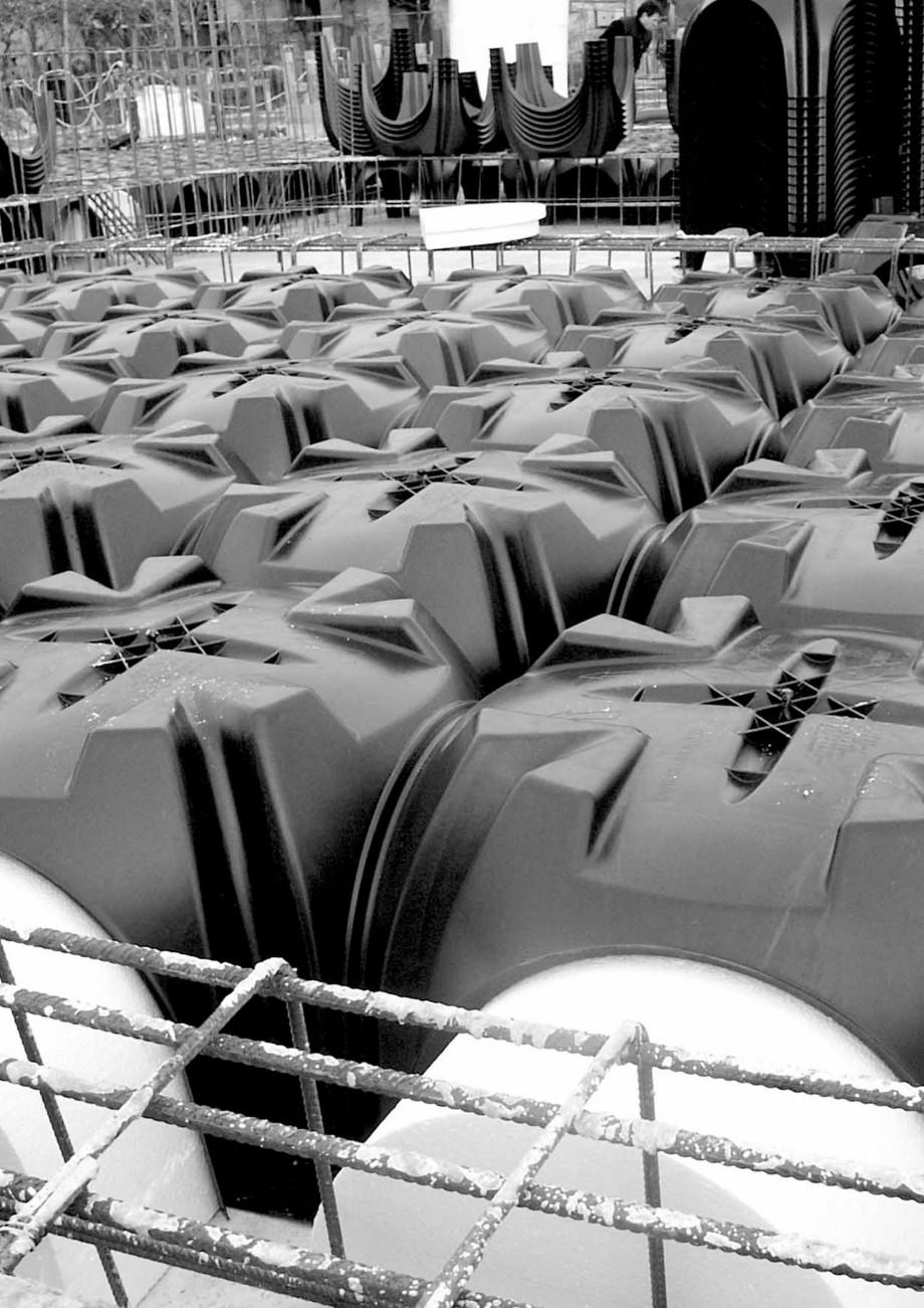 Pagina 19 - Cofraje pierdute pentru realizarea pardoselilor ventilate monolit GEOPLAST MODULO ® ...