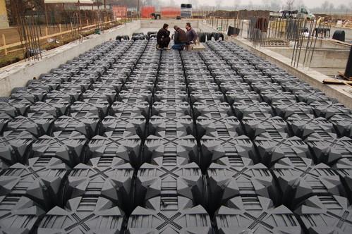 Executie, montaj Cofraje pierdute pentru realizarea pardoselilor ventilate monolit GEOPLAST - Poza 7