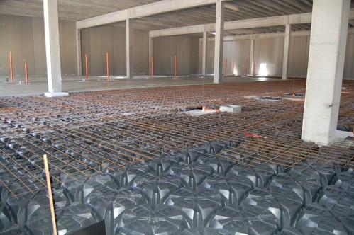 Executie, montaj Cofraje pierdute pentru realizarea pardoselilor ventilate monolit GEOPLAST - Poza 8