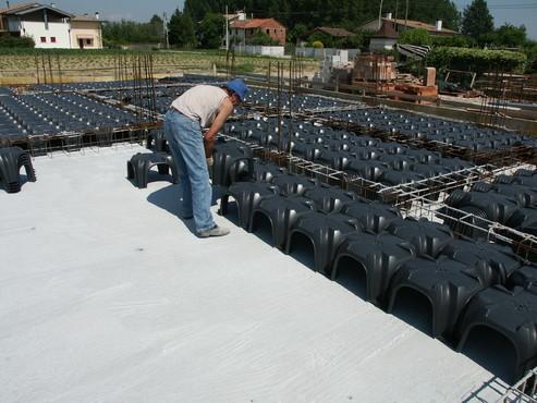Executie, montaj Cofraje pierdute pentru realizarea pardoselilor ventilate monolit GEOPLAST - Poza 16