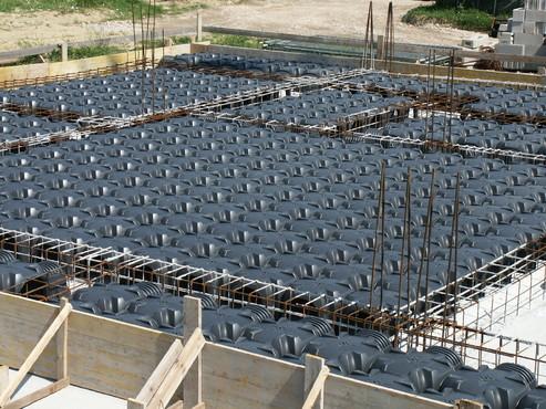 Executie, montaj Cofraje pierdute pentru realizarea pardoselilor ventilate monolit GEOPLAST - Poza 18