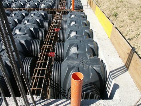 Executie, montaj Cofraje pierdute pentru realizarea pardoselilor ventilate monolit GEOPLAST - Poza 19