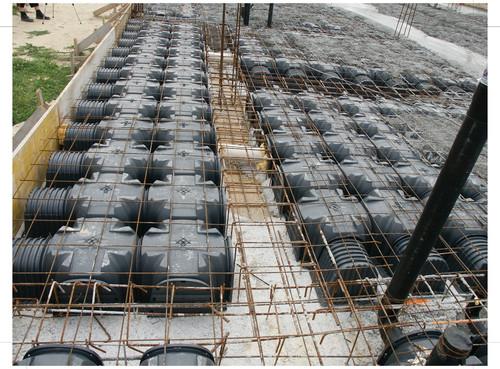 Executie, montaj Cofraje pierdute pentru realizarea pardoselilor ventilate monolit GEOPLAST - Poza 23