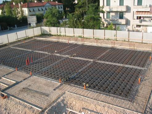 Executie, montaj Cofraje pierdute pentru realizarea pardoselilor ventilate monolit GEOPLAST - Poza 26