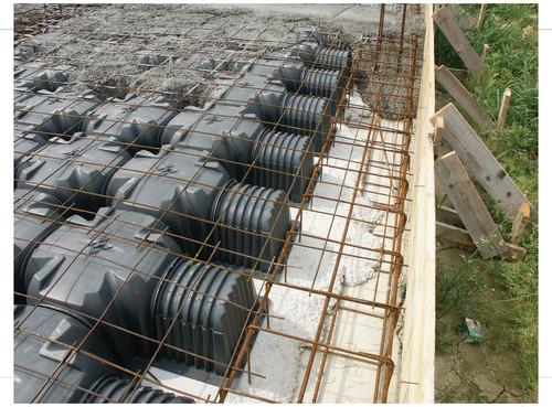 Executie, montaj Cofraje pierdute pentru realizarea pardoselilor ventilate monolit GEOPLAST - Poza 32