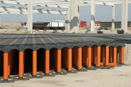 Executie, montaj Sistem de cofraje pierdute pentru pardoseli ventilate la cladiri rezidentiale si industriale GEOPLAST - Poza 8