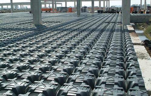 Executie, montaj Sistem de cofraje pierdute pentru pardoseli ventilate la cladiri rezidentiale si industriale GEOPLAST - Poza 14