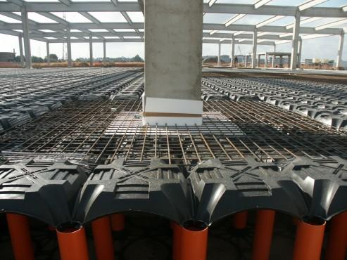 Executie, montaj Sistem de cofraje pierdute pentru pardoseli ventilate la cladiri rezidentiale si industriale GEOPLAST - Poza 22