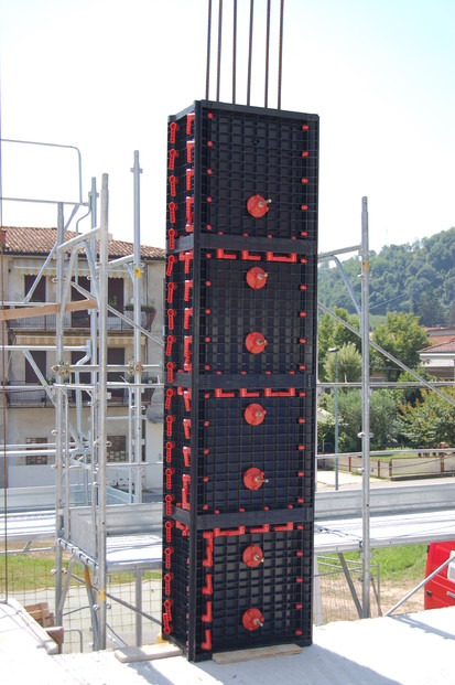 Detaliu cofraj modulare refolosibil pentru coloane patrate sau dreptunghiulare GEOTUB PANEL Cofraje modulare refolosibile pentru coloane