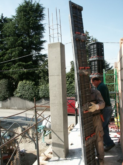 Coloana patrata dupa indepartarea cofrajului modular refolosibil GEOTUB PANEL Cofraje modulare refolosibile pentru coloane patrate sau