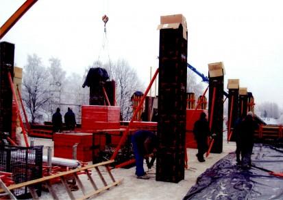 Exemplu de utilizare a cofrajelor modulare refolosibile pentru coloane patrate sau dreptunghiulare GEOTUB PANEL Cofraje modulare