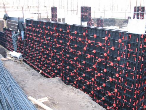 Executie, montaj Cofraje refolosibile din material plastic pentru zidari GEOPLAST - Poza 2