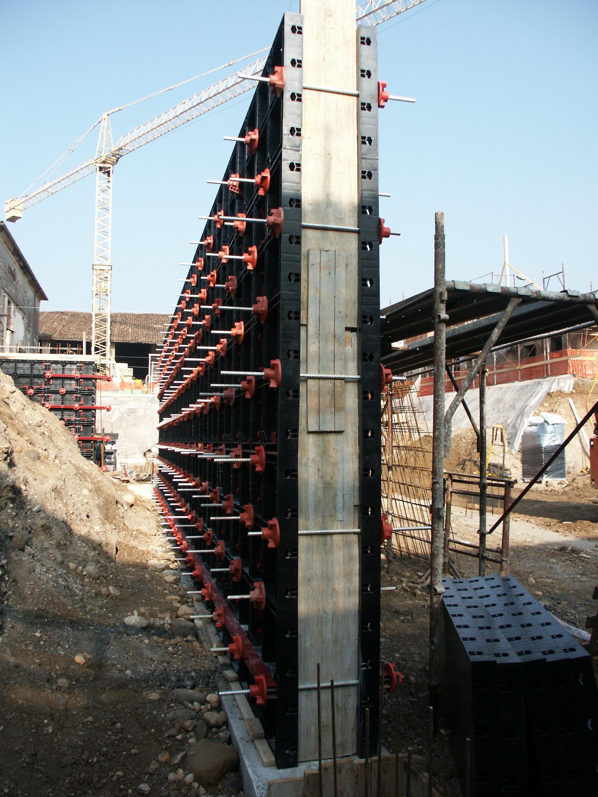 Cofraje refolosibile din material plastic pentru zidari GEOPLAST - Poza 5