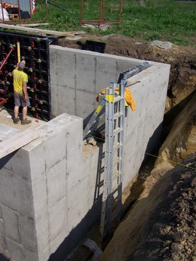 Executie, montaj Cofraje refolosibile din material plastic pentru zidari GEOPLAST - Poza 8