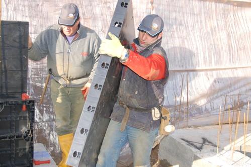 Executie, montaj Cofraje refolosibile din material plastic pentru zidari GEOPLAST - Poza 9
