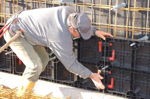 Executie, montaj Cofraje refolosibile din material plastic pentru zidari GEOPLAST - Poza 10