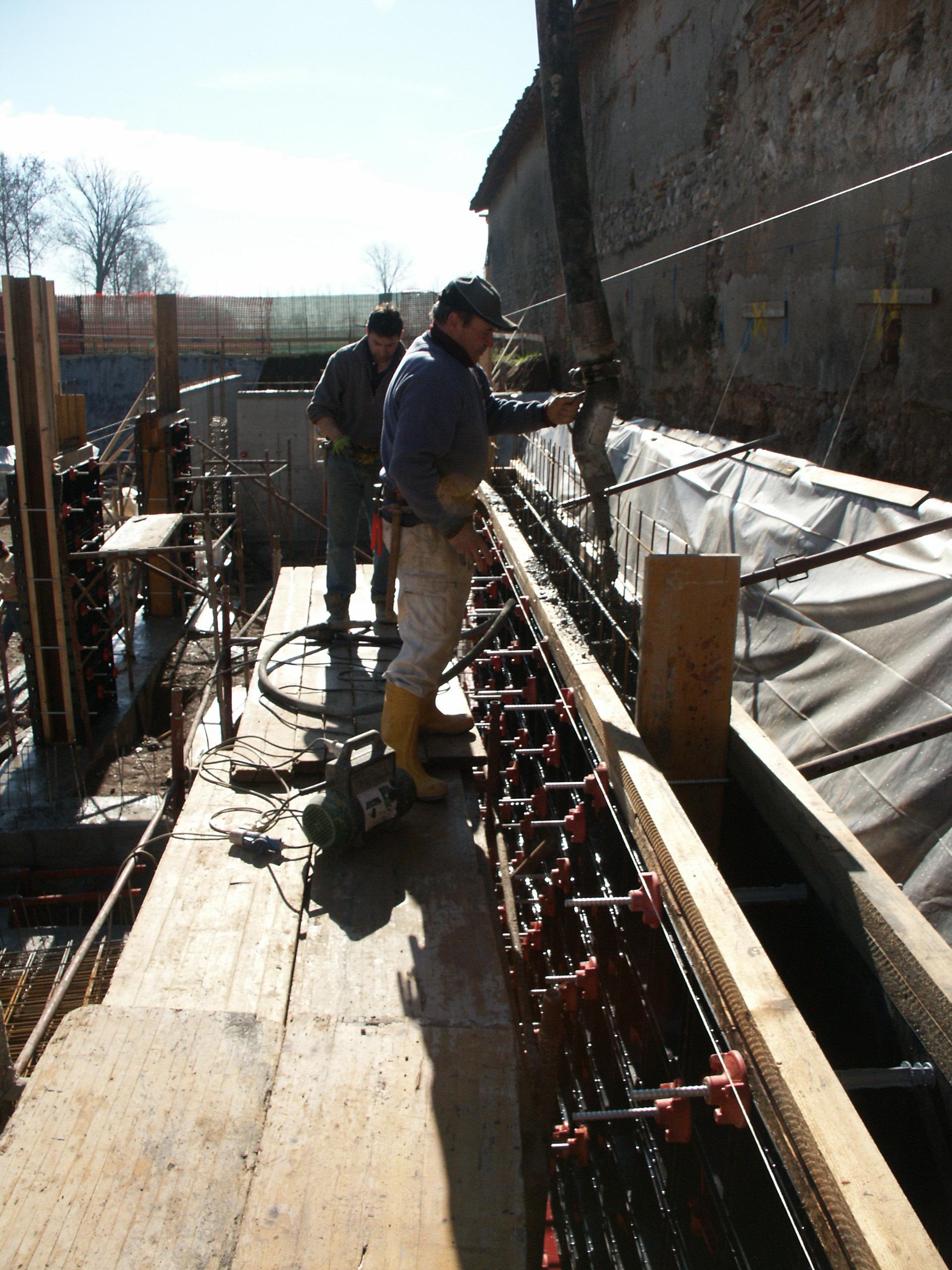 Cofraje refolosibile din material plastic pentru zidari GEOPLAST - Poza 15