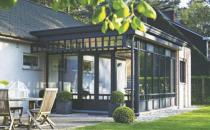 Verande, sere, gradini de iarna Oricare ar fi tipul de veranda pe care il doriti, sistemul modularCR 120oferit de REYNAERS ALUMINIUM il poate realiza. SistemulCR 120este disponibil in diferite variante arhitecturale.