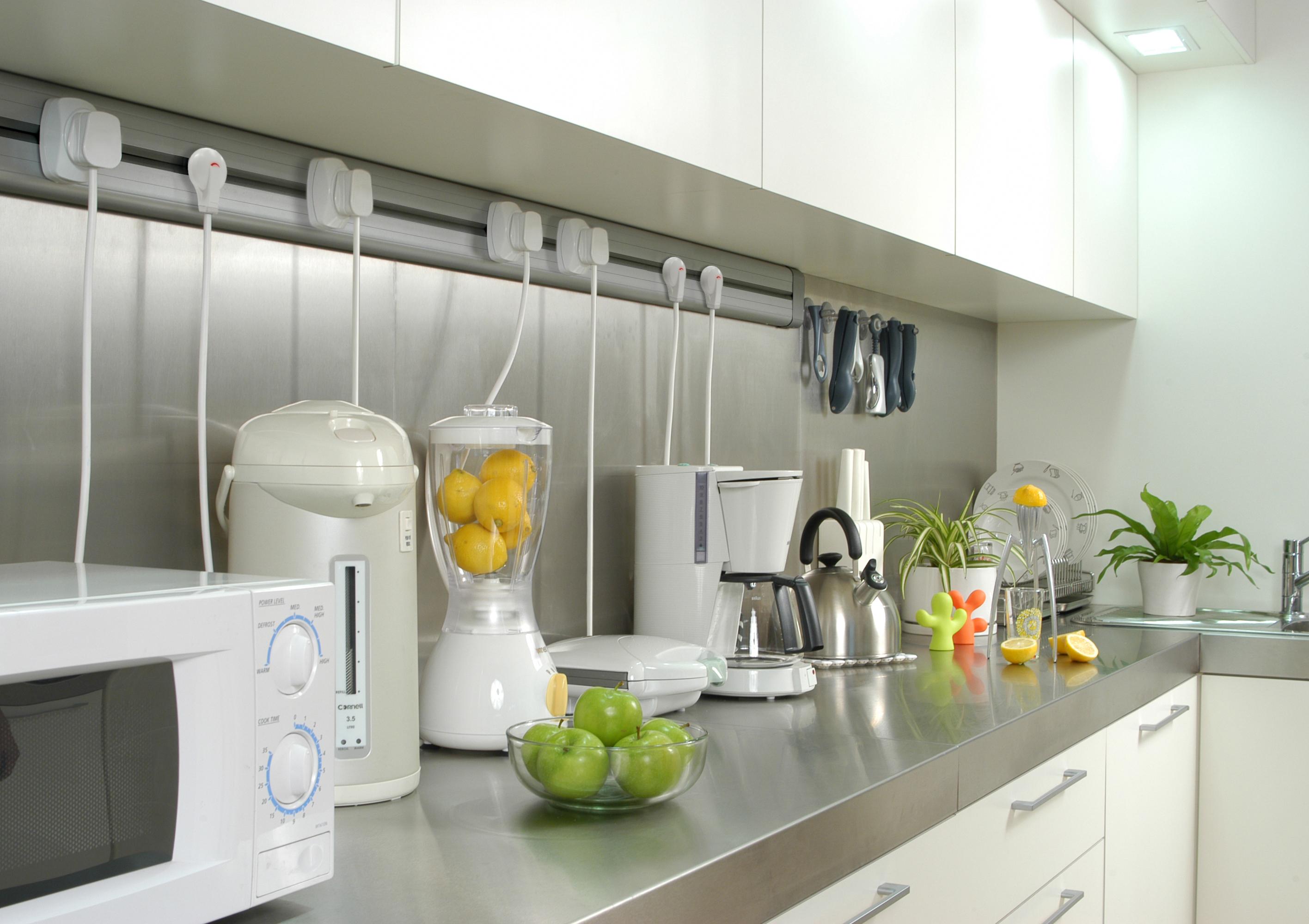 Solutii de conectare pentru bucatarii, livinguri, birouri, sali de conferinta, ateliere, spatii comerciale ACCESORIA GROUP - Poza 2