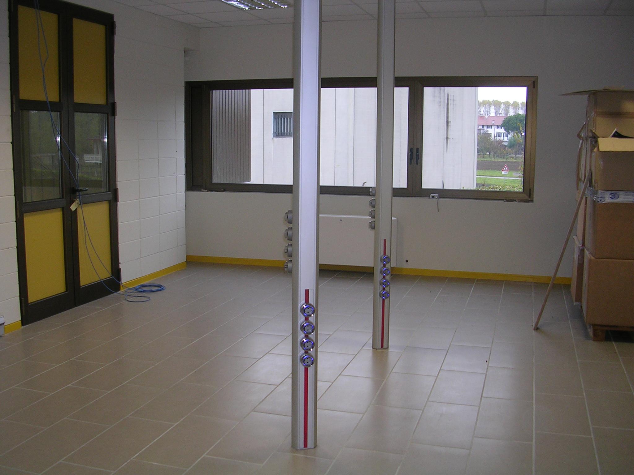 Solutii de conectare pentru bucatarii, livinguri, birouri, sali de conferinta, ateliere, spatii comerciale ACCESORIA GROUP - Poza 5