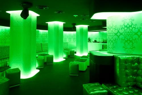 Lucrari de referinta Sistem de iluminare - Club Shade CARALUX - Poza 17