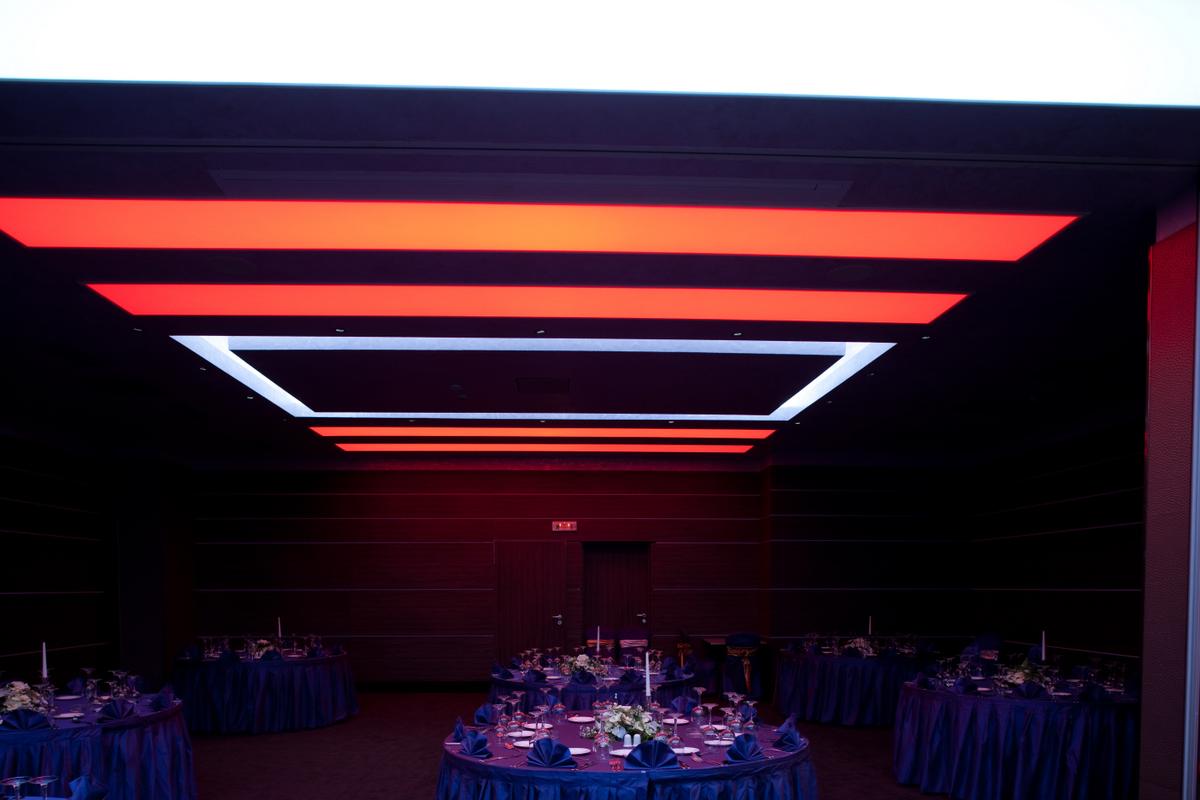 Sistem de iluminare - Hotel Ramada CARALUX - Poza 2