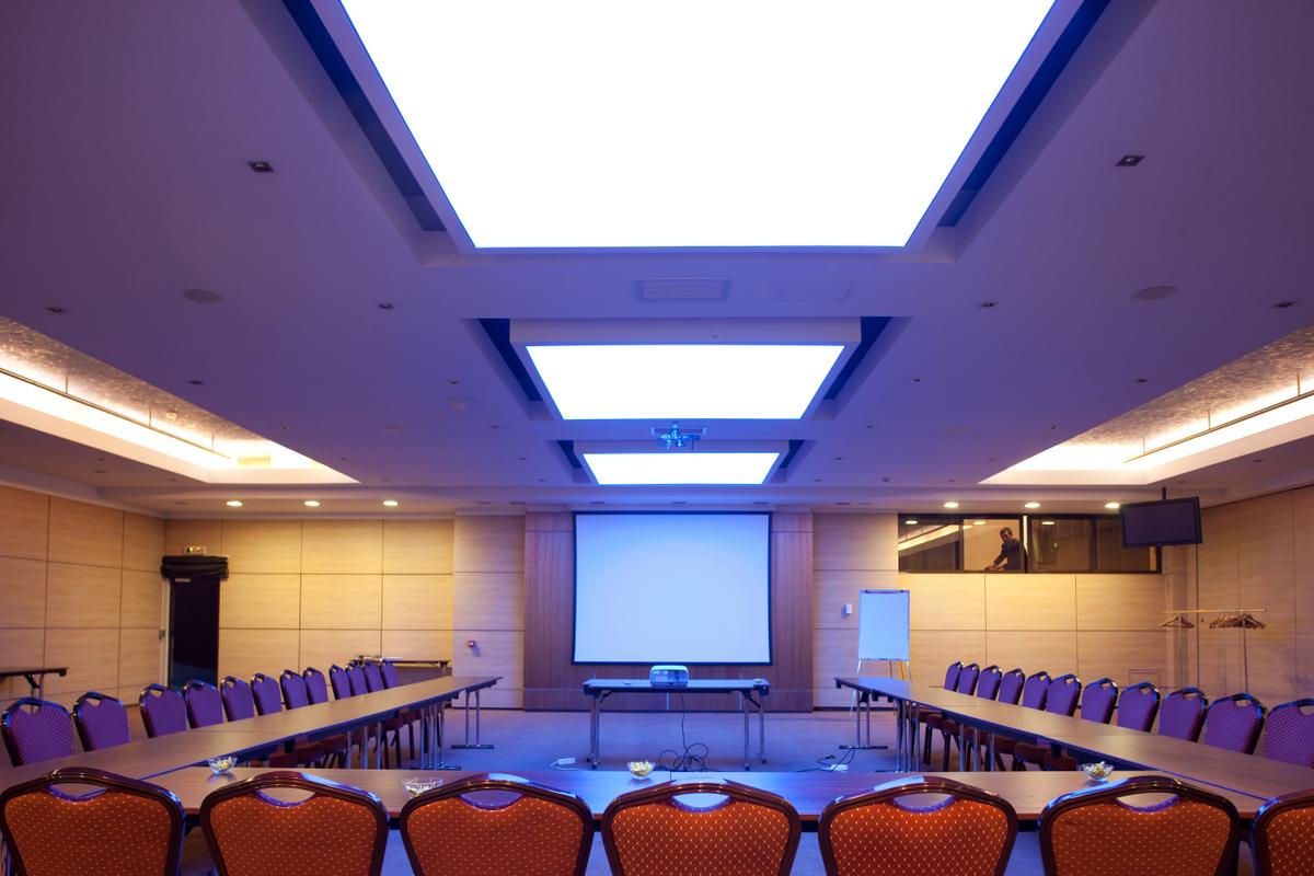 Sistem de iluminare - Hotel Ramada CARALUX - Poza 13