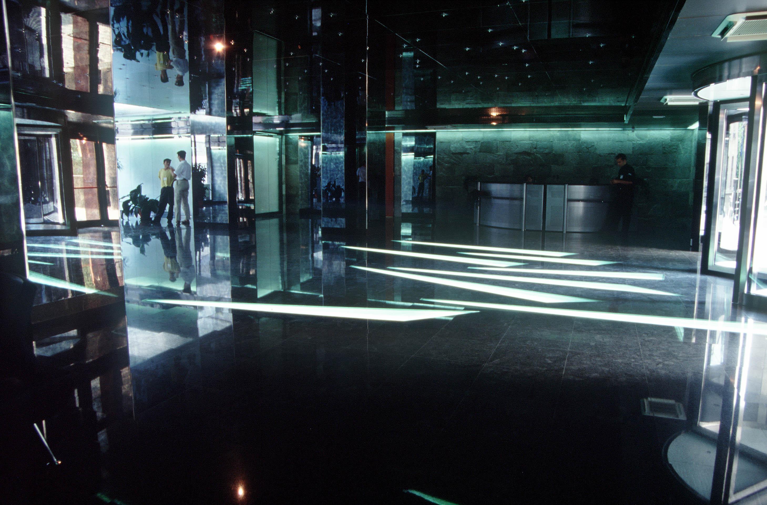 Sistem de iluminare - Sediu Allianz CARALUX - Poza 3