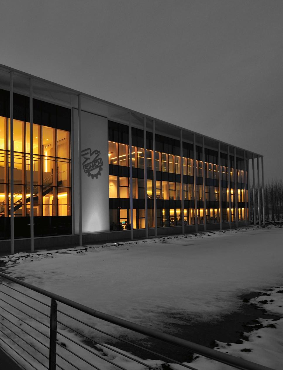 Pereti cortina lemn-aluminiu UNIFORM - Poza 3