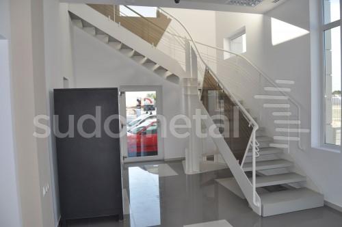 Scari cu vang lateral - Scara design showroom  SUDOMETAL - Poza 7