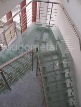 Scari cu vang lateral -Scara din inox si sticla sediu companie SUDOMETAL - Poza 2