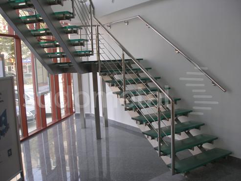 Scari cu vang lateral -Scara din inox si sticla sediu companie SUDOMETAL - Poza 3