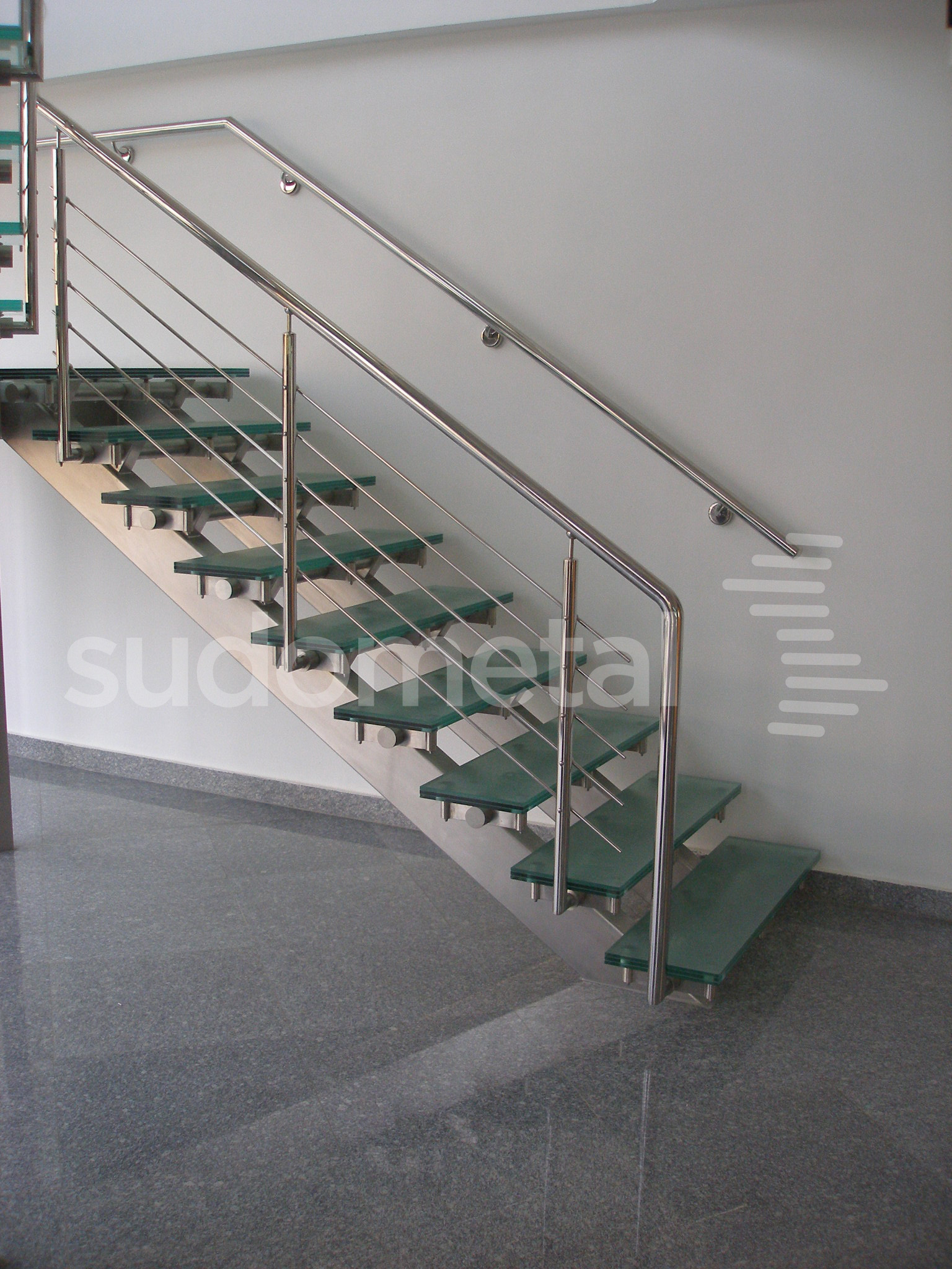 Scari cu vang lateral -Scara din inox si sticla sediu companie SUDOMETAL - Poza 4