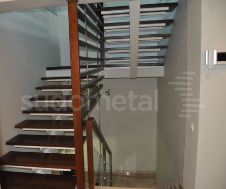 Scari cu vang central - Scara vang central casa particulara SUDOMETAL - Poza 3