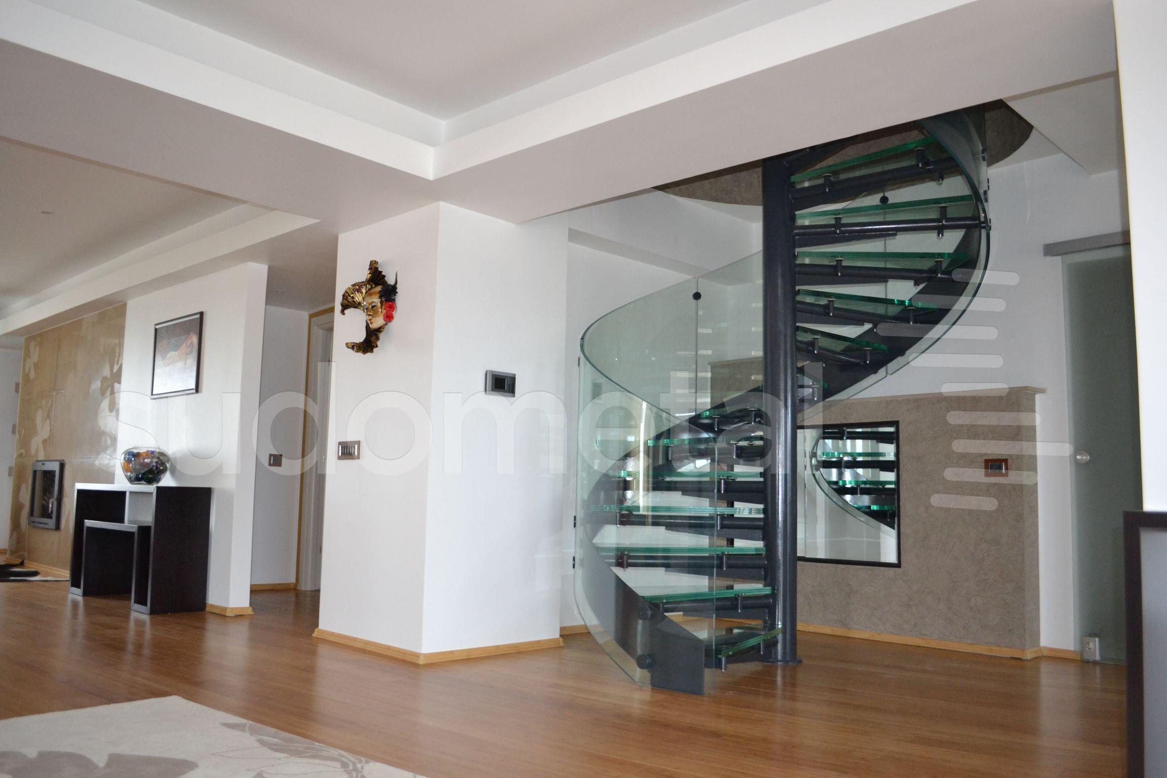 Scari spirala - Scara din sticla curba Penthouse SUDOMETAL - Poza 4