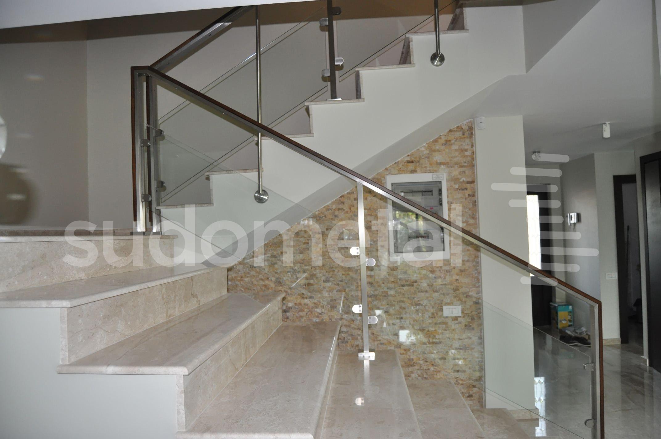Balustrade din inox-sticla - Balustrada casa particulara llfov SUDOMETAL - Poza 1