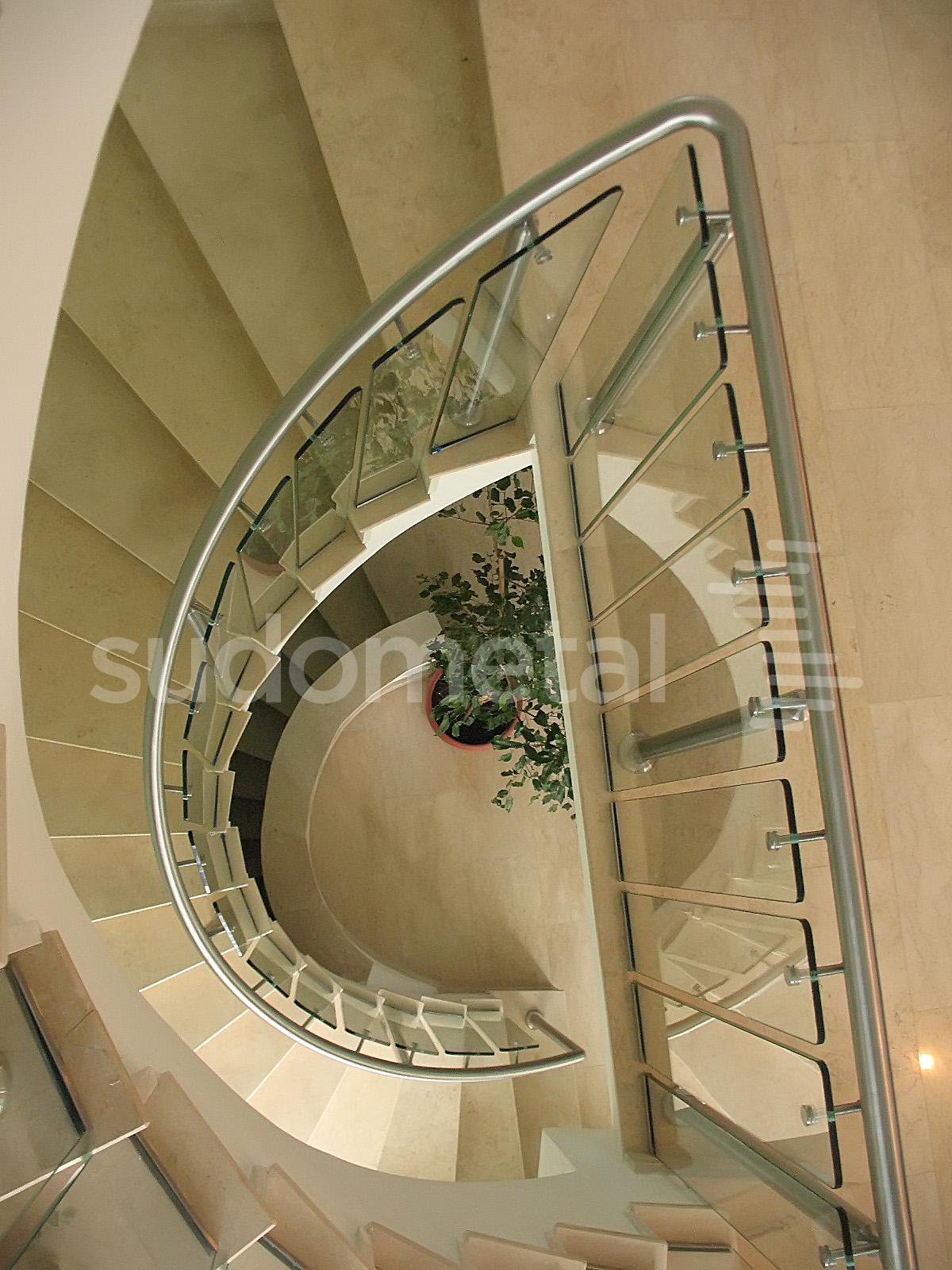 Balustrade din inox-sticla - Balustrada sediu companie Bucuresti SUDOMETAL - Poza 1