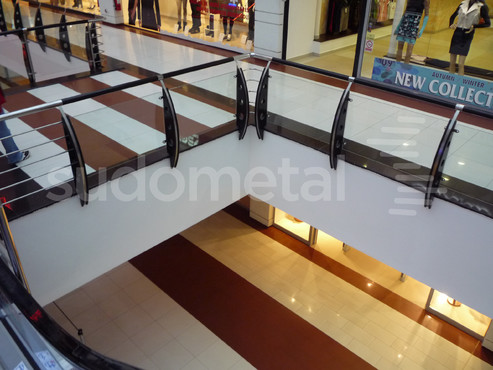 Balustrade din inox-sticla - Balustrade Arena Mall Bacau SUDOMETAL - Poza 3